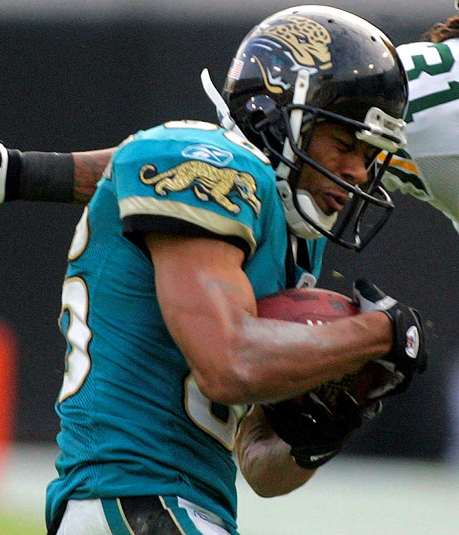 David Gerrard found Dennis Northcutt for a 41-yard gain, ending a dubious distinction: the Jags had been the only NFL team without a pass play of at least 40 yards. For the game, Northcutt caught five passes for 127 yards and a touchdown (his first 100-yard game and touchdown of the season).