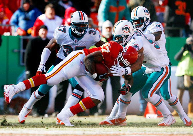 The Chiefs' running back picked up his third 100-yard running game of the season Sunday in frigid conditions. Johnson carried the ball 12 times for 108 yards and a touchdown as the Chiefs hung with the Dolphins before falling 38-31.