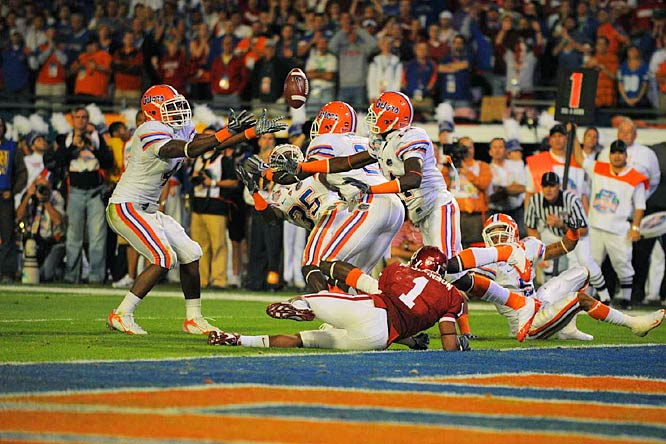 Florida's Ahmad Black (35) ripped the ball away from Juaquin Iglesias for a pivotal fourth-quarter interception.