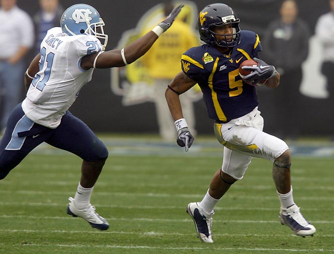Dynamic Mountaineer Pat White became the first QB ever to win four straight bowl games as a starter. He threw for a career-high 332 yards and three touchdowns. In a losing effort, North Carolina wideout Hakeem Nicks caught eight passes for 217 yards and three touchdowns.