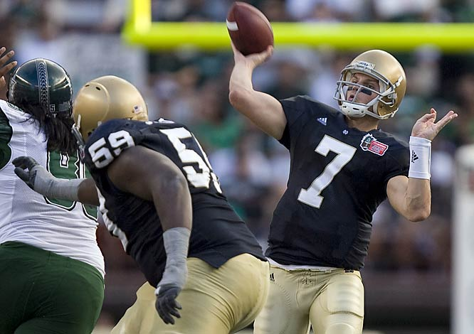 On Christmas Eve, the Fighting Irish put together one of their most dominant performances in recent memory and snapped a nine-game losing streak. Notre Dame QB Jimmy Clausen completed 22 of 26 passes for 401 yards and five touchdowns.