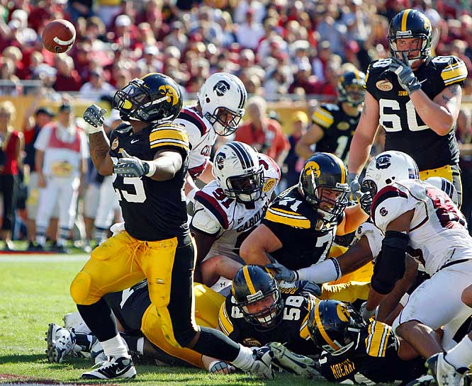As usual, Shonn Greene led the way for the Hawkeyes, rushing for 121 yards and three scores before declaring himself eligible for the NFL draft. Greene is the only player to eclipse 100 yards in every game this season.