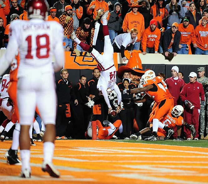 The Sooners prevailed in the highest-scoring Bedlam game ever. Sam Bradford passed for 370 yards and four touchdowns, with two of them going to star tight end Jermaine Gresham. The Pokes racked up 452 yards in a losing effort.