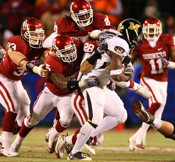 Oklahoma became the first team to score 60 points in five consecutive games in 89 years. Sam Bradford put the finishing touches on his Heisman Trophy campaign, passing for 384 yards and two touchdowns. Chris Brown and Mossis Madu combined for 236 rushing yards and two touchdowns.