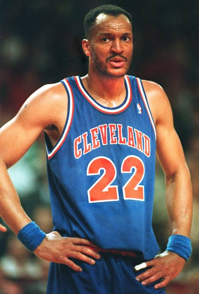 Led by Larry Nance's 11 rejections, Cleveland ties an NBA regulation game record with 21 blocked shots in the Cavs' 104-96 victory over the Knicks.