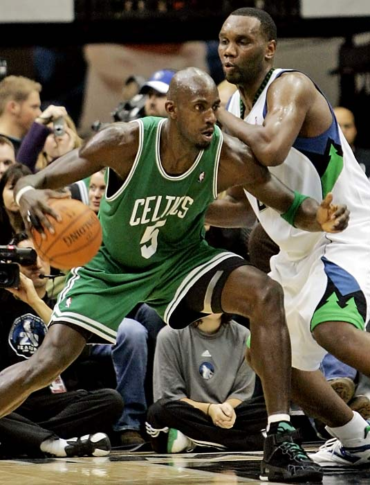 The Kevin Garnett trade has paid off handsomely for Boston, but at least part of that blockbuster is working out very well for Minnesota, too. Timberwolves center Al Jefferson is one of three players (along with Dwight Howard and Tim Duncan) averaging at least 20 points and 10 rebounds.