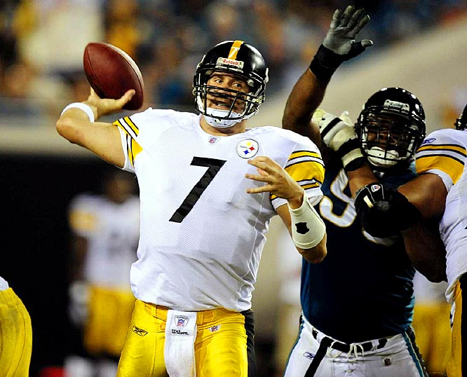 Roethlisberger notched his first 300-yard game of the season, connecting on 26-of-41 passes for 309 yards and three touchdowns as the Steelers beat the Jaguars 26-21. With Parker and Rashard Mendenhall both out with injuries, Pittsburgh turned to Mewelde Moore, who churned out 99 yards on 17 carries.