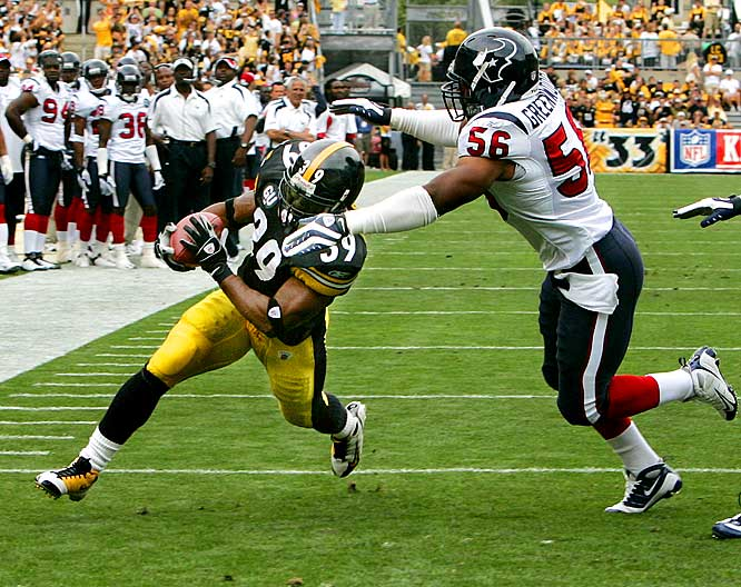 Willie Parker rushed for 138 yards and three touchdowns as the Steelers ran away from the Texans, 38-17. Ben Roethlisberger completed 13-of-14 passes for 137 yards and two scores in the victory.