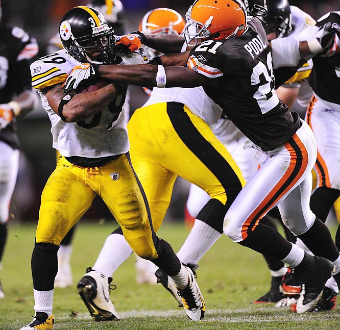 Playing with a separated shoulder, Big Ben connected on 13-of-20 passes for 179 yards and a touchdown as the Steelers limited the Browns to just two field goals in a 10-6 win. Willie Parker continued his strong start with his second 100-yard game.