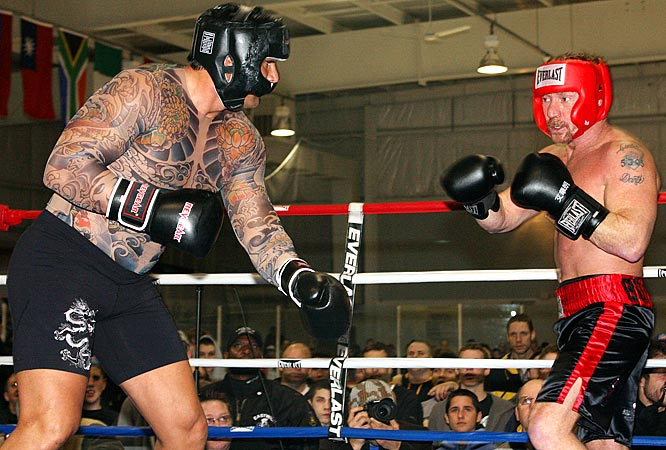As if it wasn't already humiliating enough getting knocked out by Vai Sikahema, Canseco stepped back into the ring and huffed and puffed his way to a draw with Danny Bonaduce in a boxing match. The only thing more pathetic than the fight was Canseco's skin-tight tattooed shirt.