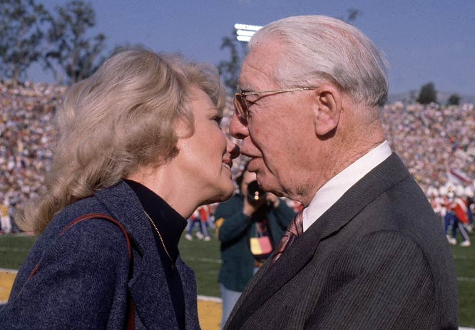 Los Angeles Rams owner Georgia Rosenbloom and Pittsburgh Steelers owner Art Rooney share a moment after the Steelers' 31-19 Super Bowl XIV victory.