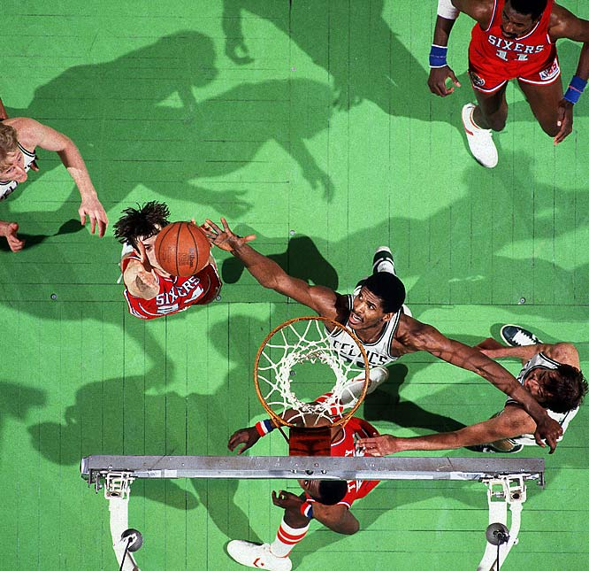 Robert Parish battles for a rebound with Philadelphia forward Bobby Jones during the 1981 Eastern Conference Finals.