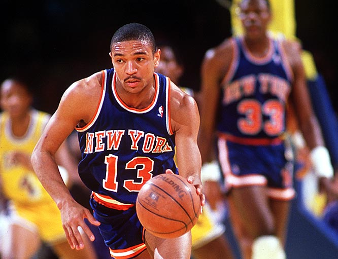 Former Knicks point guard Mark Jackson drives to the basket against the Lakers.