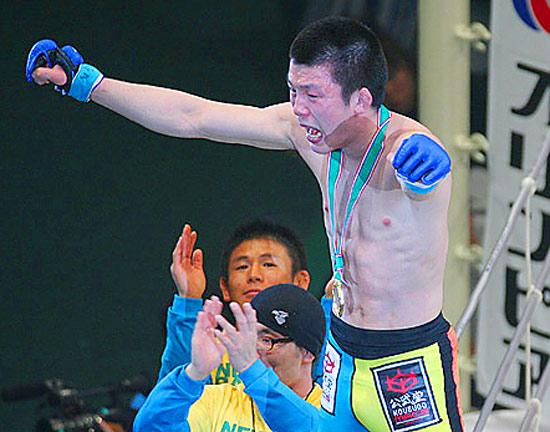 A black belt in both Brazilian Jiu-Jitsu and judo, Shinya Aoki has dropped only one bout since August 2005.