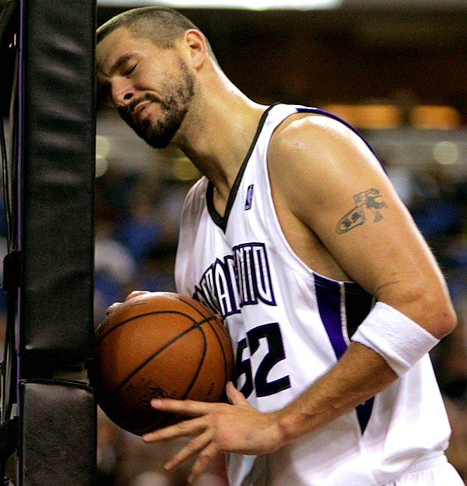 The Kings are in full-scale rebuilding mode, which includes developing second-year center Spencer Hawes. The 32-year-old Miller doesn't fit those plans and figures to draw considerable interest from contenders at the trading deadline. Miller's contract expires in 2010.