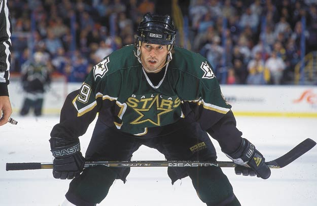 Dallas' Mike Modano becomes only the second American-born NHL player to play in 1,000 games with the same team. All of Modano's games had come with the Minnesota North Stars and Dallas Stars. Brian Leetch (New York Rangers) was the first American-born player to play in 1,000 NHL games.