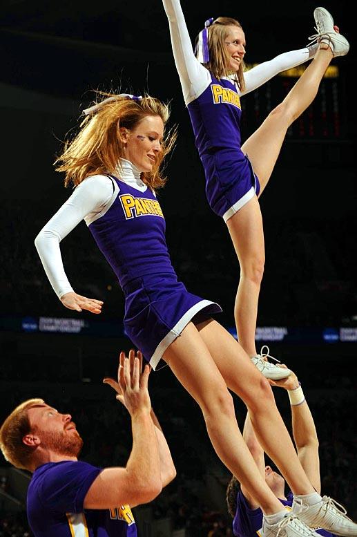 West Bracket Cheerleaders   SI.com