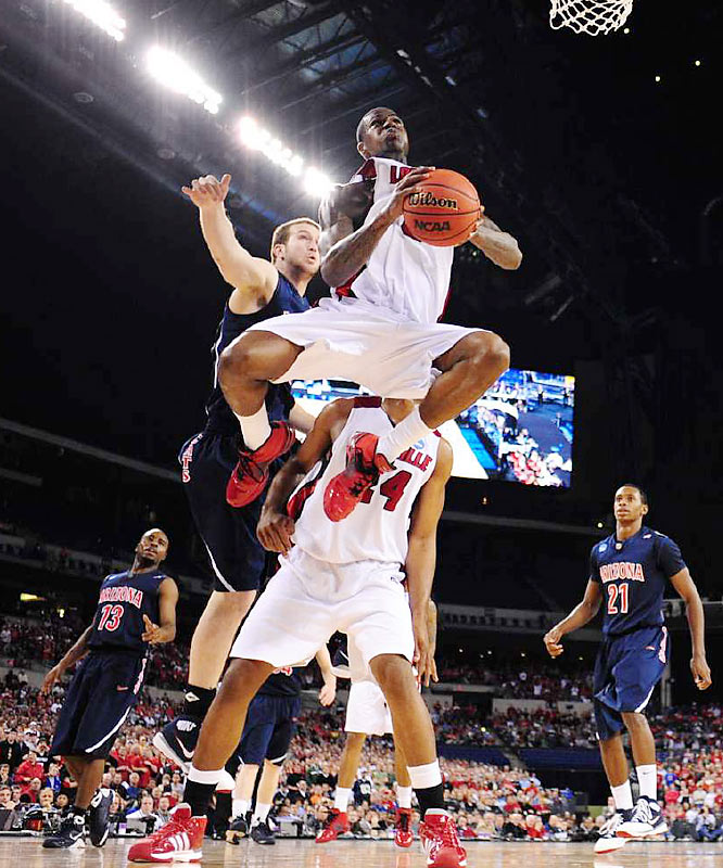 Earl Clark had 19 points and nine rebounds and the top-seeded team in the NCAA tournament delivered one of the most crushing blowouts in regional round history.
