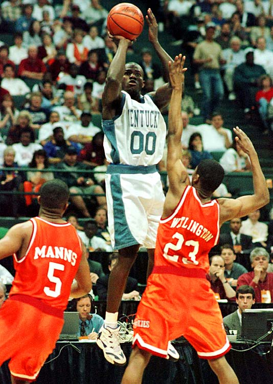 Tony Delk, Derek Anderson, Antoine Walker, Ron Mercer and Mark Pope represented the cream of the crop on a roster that included an incredible nine future NBA players. They lost just two games before the NCAA tournament -- against Massachusetts early in the season and against Mississippi State in the SEC title game -- and avenged each of those defeats at the Final Four.