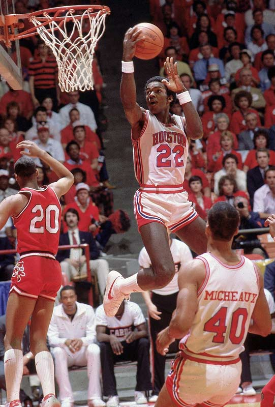 Clyde Drexler swoops in for a layup during a Final Four game against Louisville.