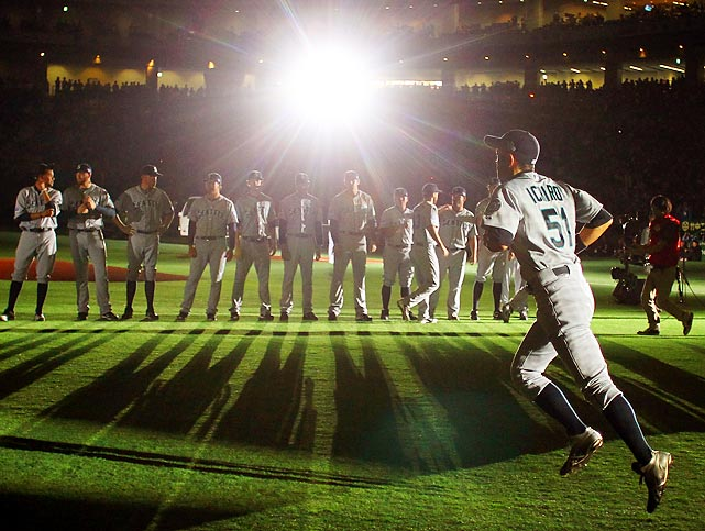 Ichiro gave his fans in Japan a performance to cheer about with four hits in the Seattle Mariners' 3-1 victory against the Oakland A's at the Tokyo Dome.