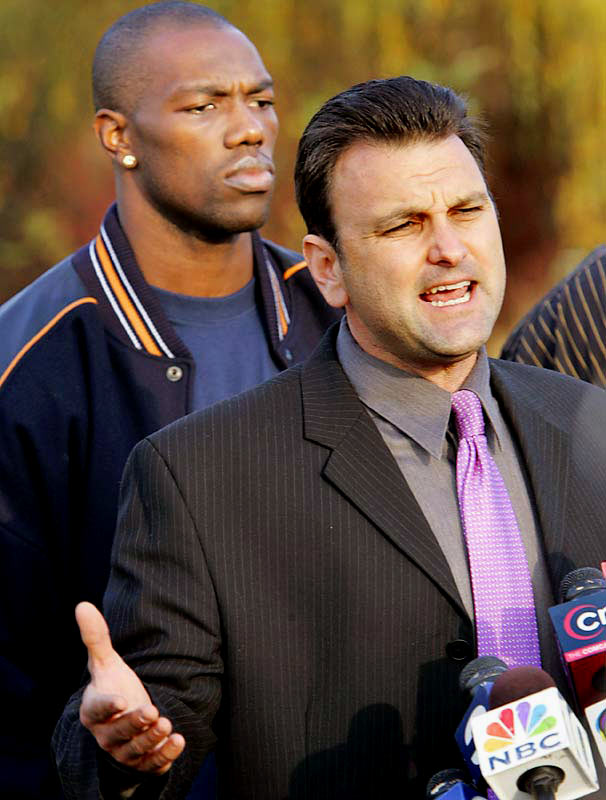 Owens was displeased with his contract entering the 2005 season, and his relationship with the Eagles deteriorated. On Nov. 4 coach Andy Reid suspended Owens for conduct detrimental to the team. On Nov. 8, Owens and his agent Drew Rosenhaus held an impromptu press conference to discuss the situation.