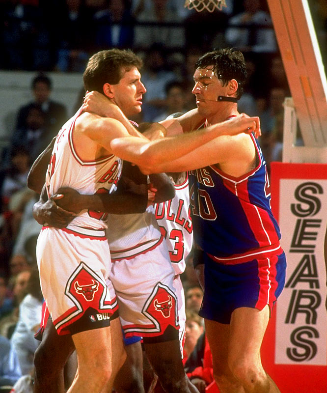 Laimbeer and Perdue exchange pleasantries during the 1991 Playoffs.