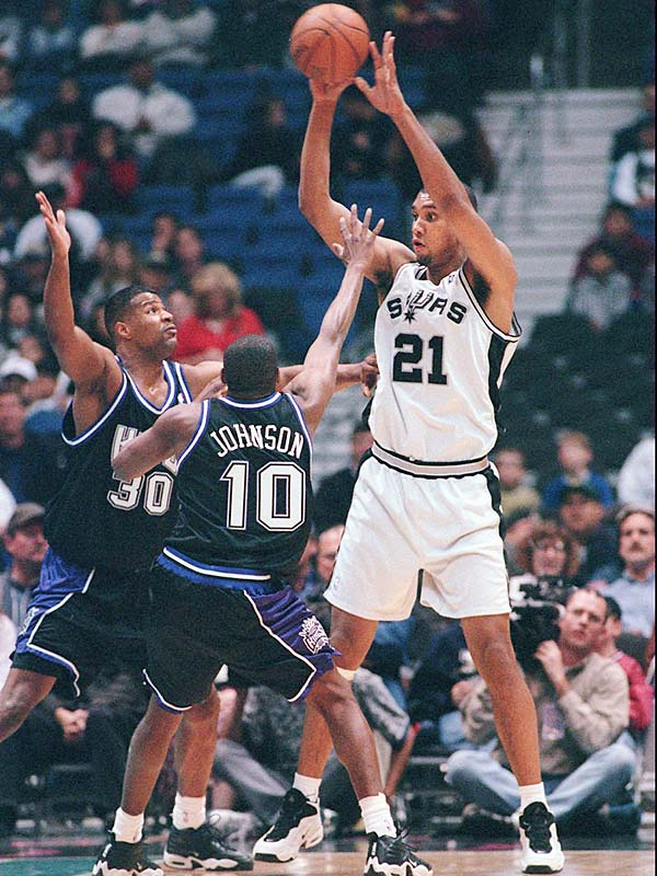 San Antonio's Tim Duncan is named the Schick Rookie of the Year after receiving 113 of a possible 116 votes. Duncan, the first selection in the 1997 NBA draft, averaged 21.1 points, 11.9 rebounds, 2.7 assists and 2.51 blocked shots, while shooting .549 (706-for-1,287) from the field in 39.1 minutes per game.