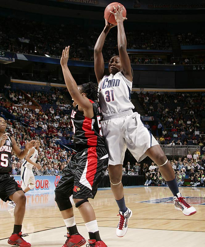 Tina Charles had 25 points and grabbed 19 rebounds in the 76-54 win.