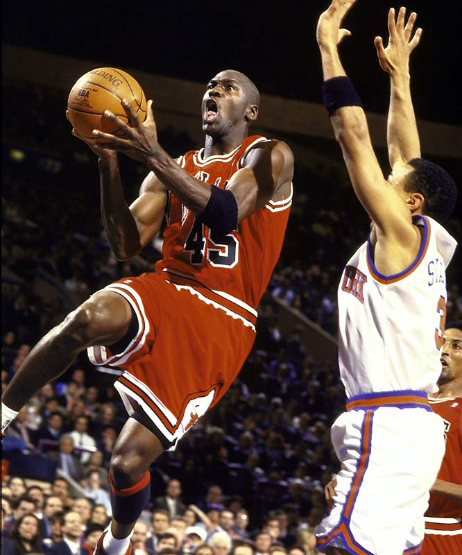 In his fifth game back, Jordan scored 55 points against the Knicks at Madison Square Garden on March 28, 1995. Jordan also fed Bill Wennington for the game-winning basket in Chicago's 113-111 victory.