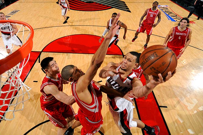 After Portland's no-show in Game 1, Roy stepped up in Game 2 with 42 points as the Blazers won a playoff game for the first time in six years. Roy shot 15-of-27 from the field and 10-of-12 at the free-throw line against one of the NBA's top defensive teams.