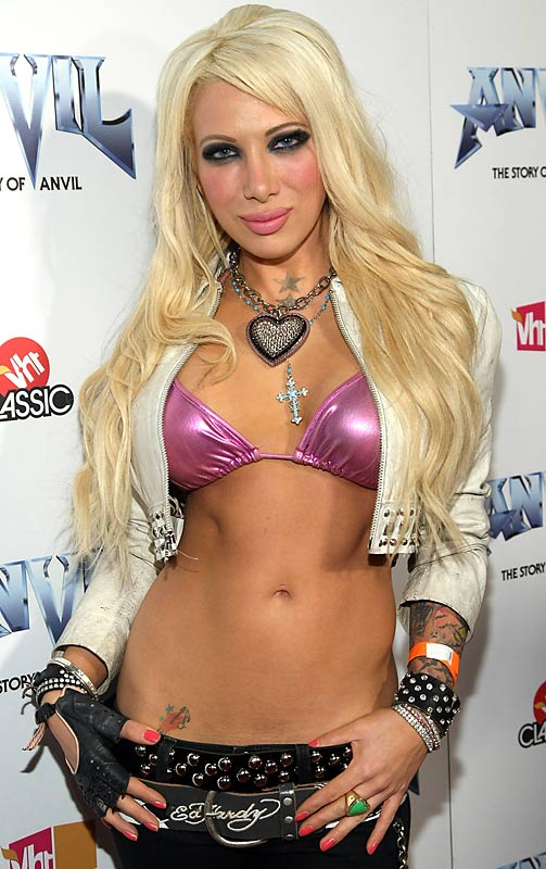 Oscar De La Hoya's career may be over, but his niece's, um, ''career'' is about to take off as she is the star of her own VH-1 reality show, <i>Daisy of Love</i>, following her forgettable stint on <i>Rock of Love 2</i>.: After being rejected by Bret Michaels, things can only get better for De La Hoya, right?