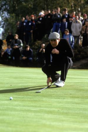 Gary Player of South Africa becomes the first foreign golfer to win the Masters Golf Tournament.