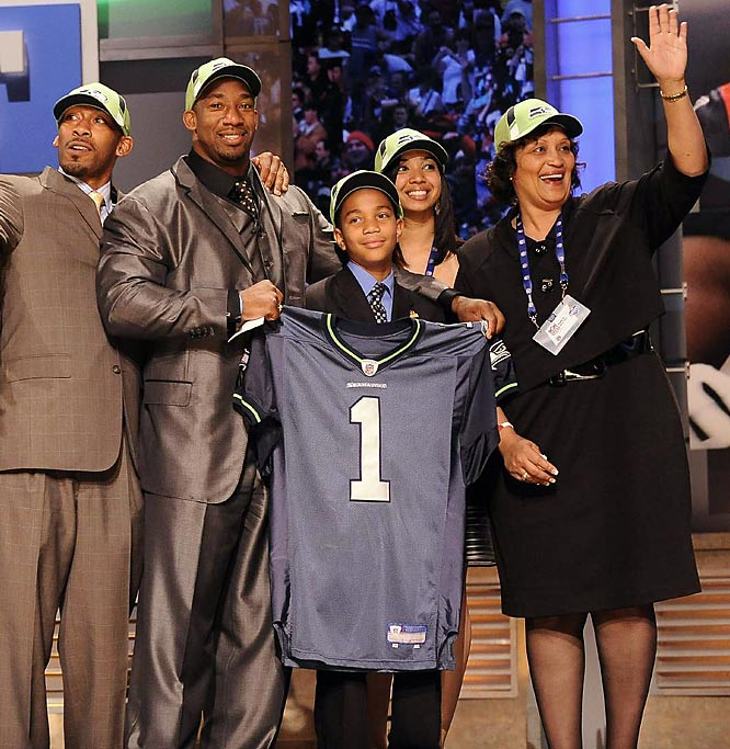 Linebacker Aaron Curry with his mom and other family members at the NFL Draft in New York.