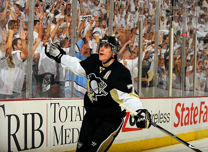 Sidney Crosby scored a record-tying sixth goal to start a playoff game, yet was upstaged by NHL regular-season scoring leader Evgeni Malkin in Game 2 against Carolina. Malkin's exceptional effort also gave him the playoff scoring lead 25-24 over Crosby. Malkin has four of Pittsburgh's 10 goals in the series.