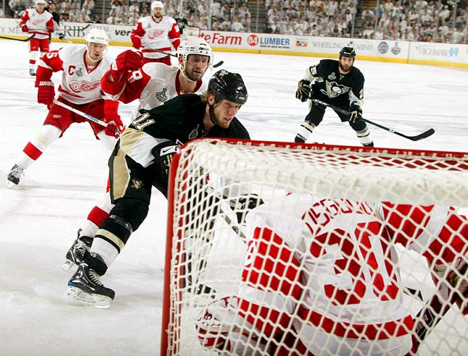 Jordan Staal's short-handed goal during back-to-back Detroit power plays started Pittsburgh's comeback, and the Penguins scored three goals in less than 6 minutes of the second period.  The 6-foot-4 Staal used his lengthy stride to thread defenseman Nicklas Lidstrom and Brian Rafalski and beat Chris Osgood at 8:35 of the second.