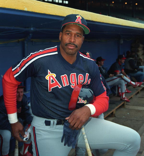 The New York Yankees trade Dave Winfield to the Angels for Mike Witt.