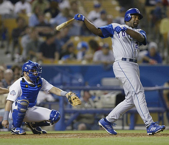 Carlos Delgado surpasses Joe Carter to become the all-time Blue Jay career leader in round-trippers. The first baseman hits his 204th home run in a Toronto uniform in a 7-2 loss to Seattle at the SkyDome.