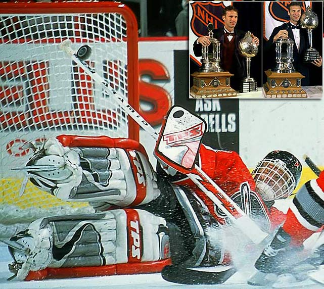 One of the few goaltenders to bag a major award other than the Vezina Trophy (he won six), The Dominator took the Hart in back-to-back years (1997-98) before backstopping Buffalo to the Stanley Cup Final in 1999. He was also awarded the Pearson in each of those seasons.