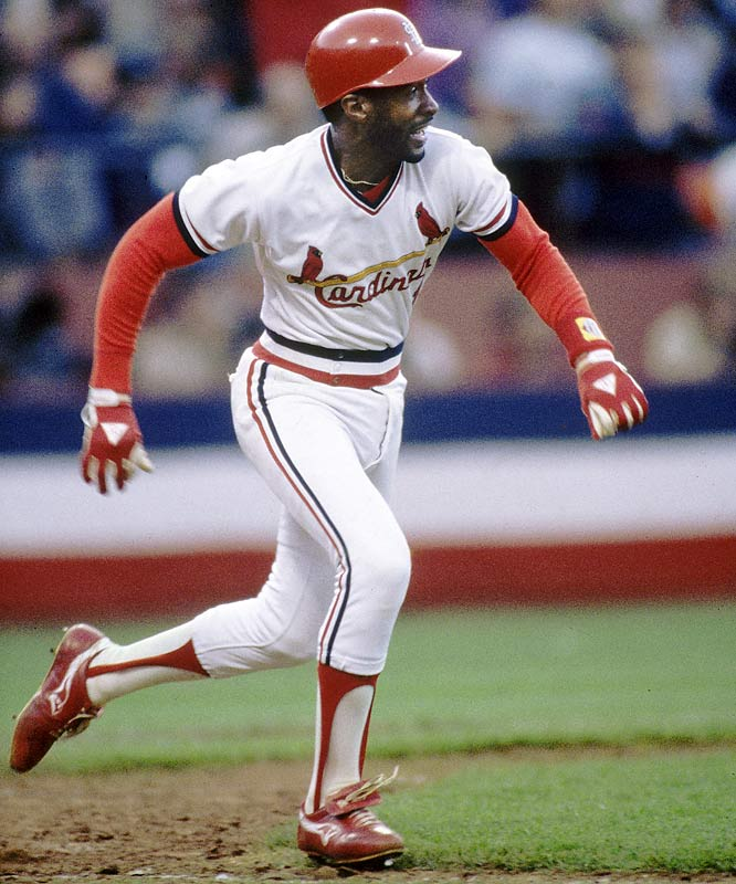 Ozzie Smith hustles out a ground ball to second base. Smith went hitless in three at bats.