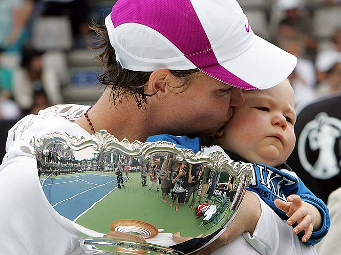 Three-time Grand Slam champion Lindsay Davenport welcomed her first son, Jagger, in 2007.  Three months after his birth she won a tournament in Bali but retired soon after. In June, she gave birth to a daughter, Lauren.