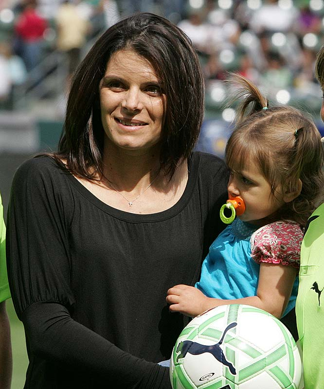 The face of women's soccer, Mia Hamm and husband Nomar Garciaparra welcomed a set of twins in 2007.