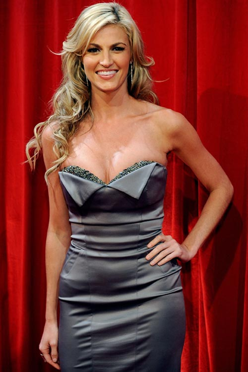 Erin Andrews worked the red carpet and green room areas for the ESPYs on Wednesday night.