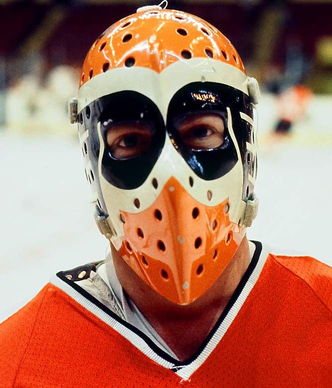 The way the Flyers' logo has been placed over each eye creates the look of a mask within the mask. This is one of many masks designed by Toronto artist and former college goalie Greg Harrison, who has perhaps had the most influence on the goalie masks of today.