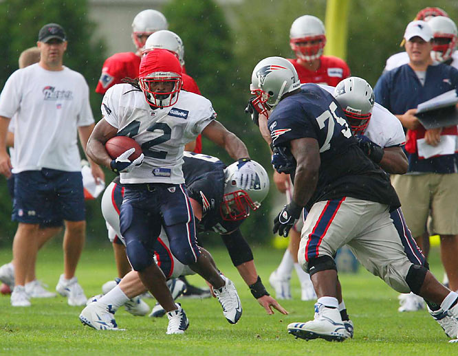 RB Green-Ellis signed with the Patriots as a free agent in May 2008.  He finished his first season in New England with five rushing touchdowns, the team's second highest for the season.