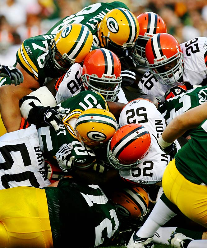 Ryan Grant's yards per carry dropped from 5.1 in 2007 to 3.9 last year. He hopes to make amends now that he's healthier.Read more: http://sportsillustrated.cnn.com/2009/football/nfl/08/06/grant.pack.ap/index.html#ixzz0PKIkOJPI