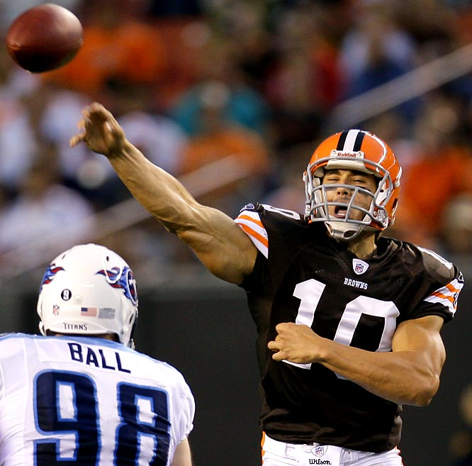 Brady Quinn threw a 20-yard touchdown pass to Braylon Edwards and outplayed Derek Anderson in their most recent audition for coach Eric Mangini to be Cleveland's starting quarterback.