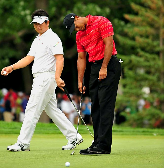 Woods was 14-for-14 when leading a major after three rounds ... before Sunday. Tiger let a two-stroke advantage slip away to unknown Y.E. Yang at the PGA Championship.  Interestingly, the 37-year-old Yang didn't start playing golf until he was 19, or about 18 years later than Tiger was first given a club.