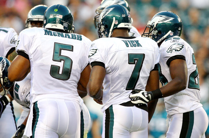 On the Eagles' second play from scrimmage, Vick completed a 4-yard shovel pass with Donovan McNabb lined up at wide receiver.