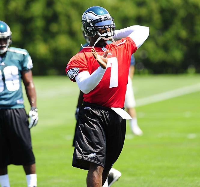 While dozens of protesters were on hand to voice their disapproval with the Eagles signing Vick, only four were outside the facility for his first practice.